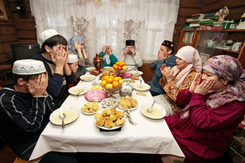 Мусульмане отметят Ураза-Байрам дома