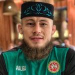 Мусульманин-боец ММА Ринат Фахретдинов подписал контракт с UFC